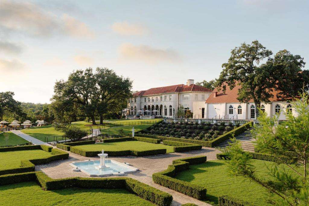 Commodore Perry Estate 5 Star Luxury Austin Accommodation
