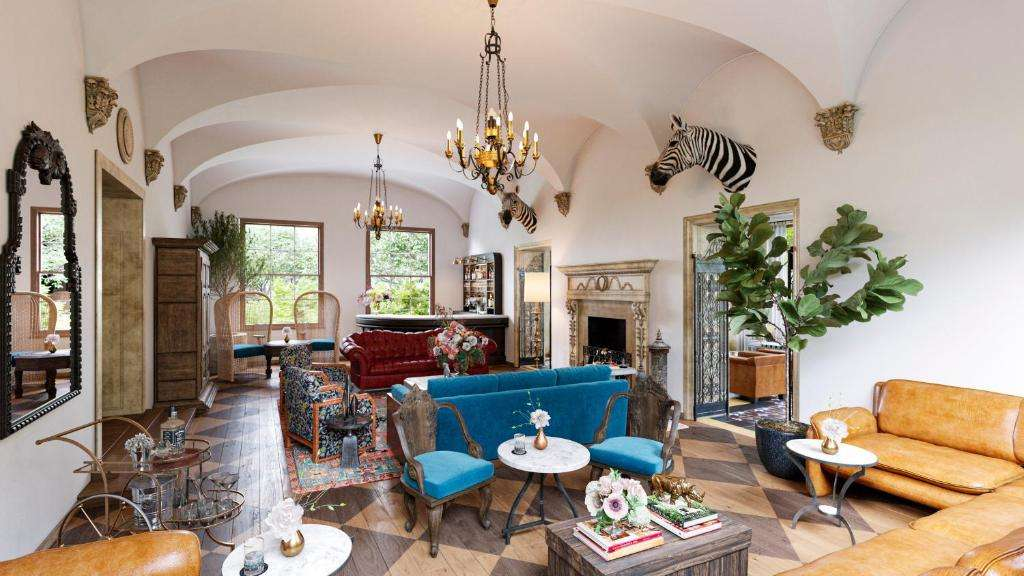 5 star luxury suite at Commodore Perry Estate in Austin Texas.