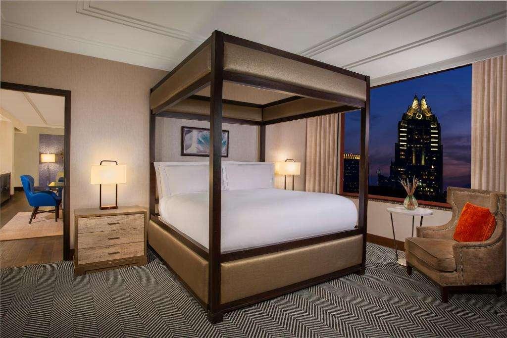 Hilton Austin 4 post bed