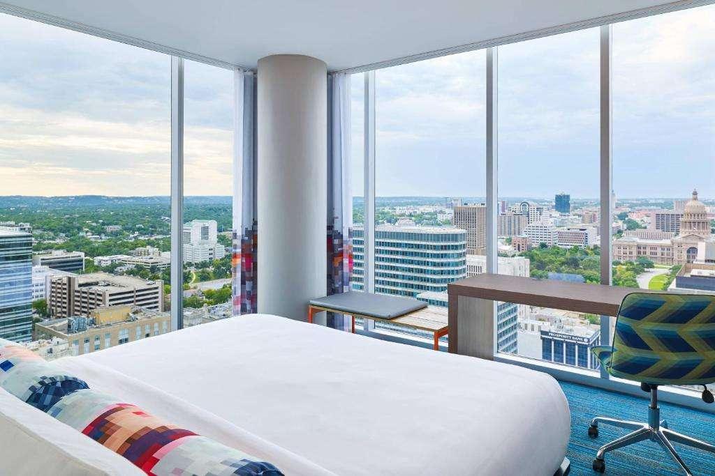 Aloft Austin Downtown - Romantic Hotel