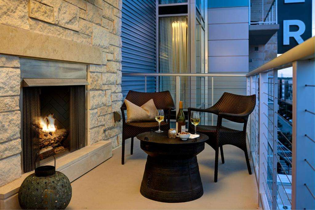 Archer Hotel Austin balcony