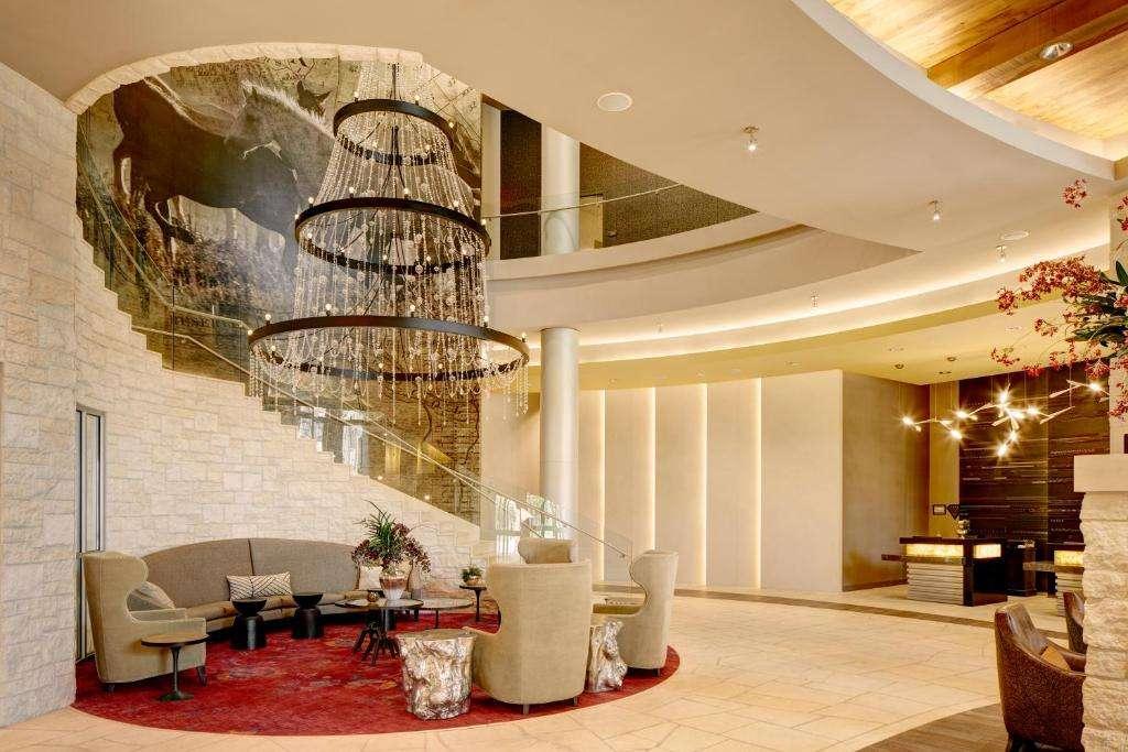 Archer Hotel Austin lobby