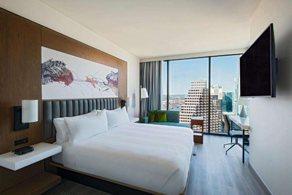 Austin Marriott Downtown romantic room with a view