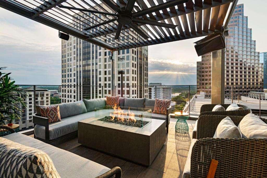 Austin Marriott Downtown rooftop fire pit
