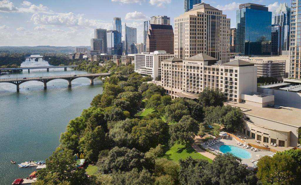 Four Seasons Luxury 5 Star Hotel in Austin Texas
