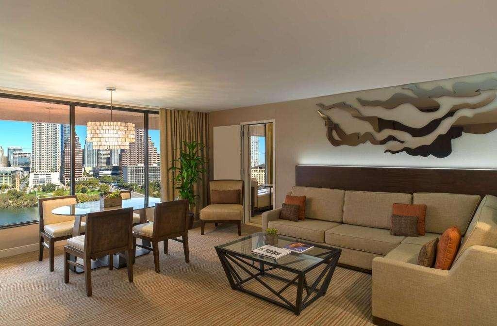 Hyatt Regency Austin suite
