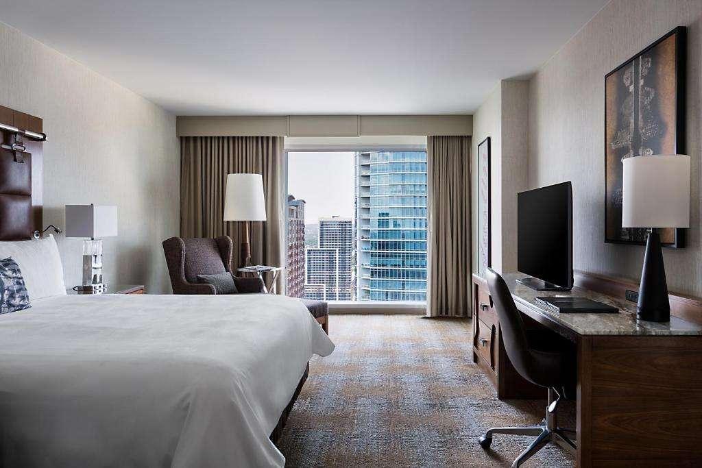 JW Marriott Austin romantic room